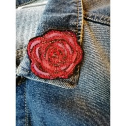 "Broche ""rose"" en tissu"